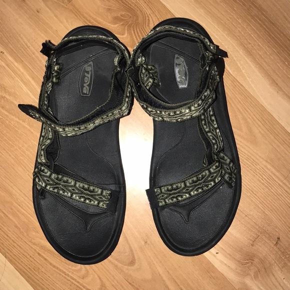 fd8da3e3a Teva velcro sandals size 10. M 5aef72fedaa8f6fbcecf200e